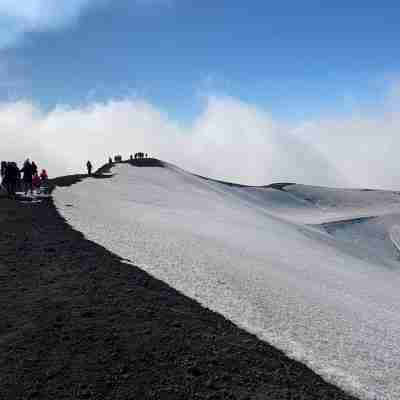 etna tour with snow