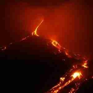 mount etna eruption lava flow tour